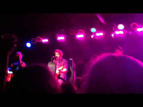 Gotta Get Out - 5SOS (Live acoustic)