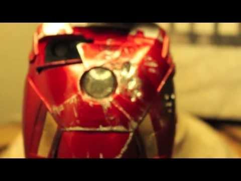 iron-man:-iphone-5-battle-damaged-custom-mark-7-led-light-up-case-by-brando-review