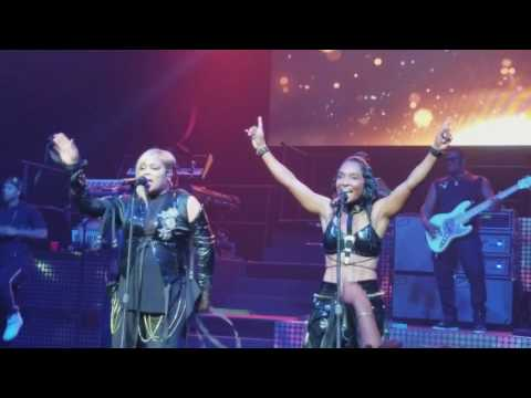 TLC - Diggin On You (Concert Performance)
