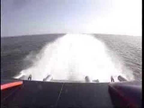 155-MPH Skater Offshore Race Boat