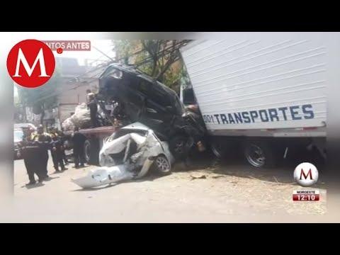 Tráiler Choca Y Se Lleva Varios Autos En Santa Fe Youtube