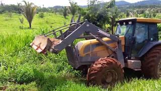 Trator valtra bh 180 sofrendo para subir morro liso 💪💪🚜p:1