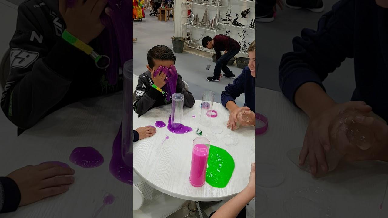 Kids Loving GOOBANDS slime at Autumn Fair 2017   Keycraft ...