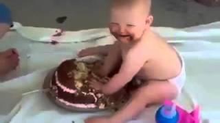 FUNNY Baby tuck a cake hihhh amzing