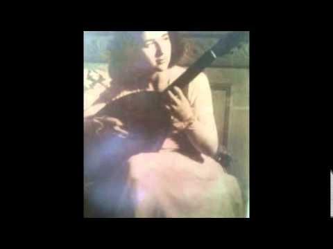 John Dowland: Gallarda; Monina Tavora, guitarra.