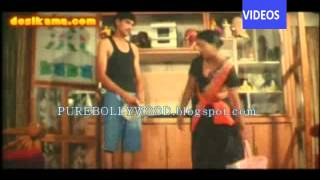 Hot Tamil Maid Cleavage Boobs Saree Seducing