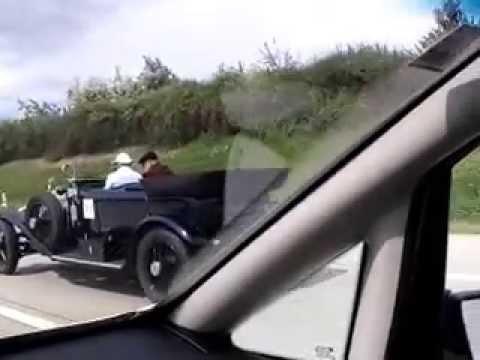 Oldtimer classic car Rolls Royce Phantom in Fahrt driving UK plate registered