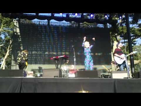Grouplove - Drunk In Love (Beyoncé Cover) - Outside Lands 2014, Live In San Francisco