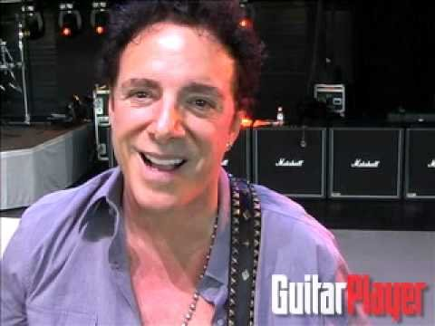 Journeys Neal Schon Plays Dont Stop Believin