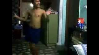 funniest video ever....chinese dancing in indian ad song