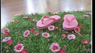 Grass Mat With Pink Daisy Flowers For Fairy Garden Party, Wedding Decor And Children's Room Decor