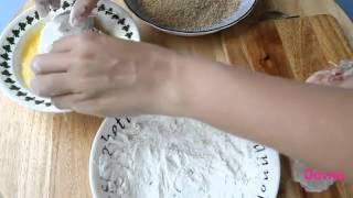 Котлеты по киевски рецепт(Видео-рецепт приготовления котлет по киевски. Котлеты по киевски - великолепное блюдо для любого стола...., 2013-01-04T05:57:57.000Z)