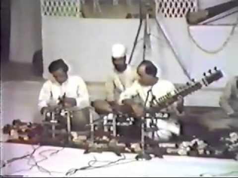 Ustad Vilayat Khan-rare video - Part 3/3 - Raag Bhairavi Mp3