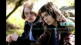 """A Home at the End of the World"" (Spanish subtitles) Trailer"