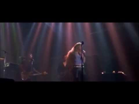 Coyote Ugly - Can't Fight The Moonlight - Piper Perabo HD