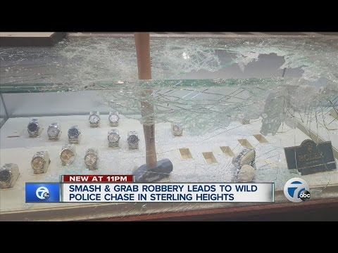 Police chase ends in crash after smash-and-grab at Sterling Heights jewelry store