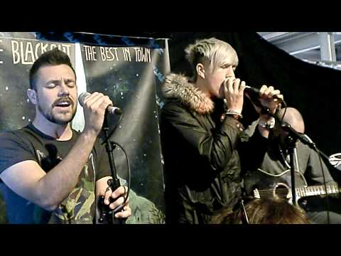 The Blackout - Top of The World (Acoustic) @ FAME Music Store Amsterdam