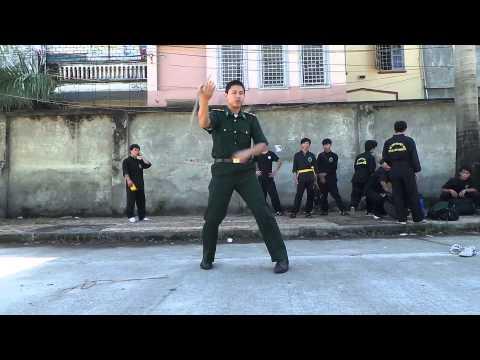 CLB - Côn Nhị Khúc Hà Nội | Anh Bộ đội biên phòng biểu diễn côn nhị khúc tại Xuân Mai