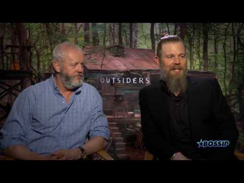 'Outsiders' Stars David Morse & Ryan Hurst Discuss Messy Love Triangle