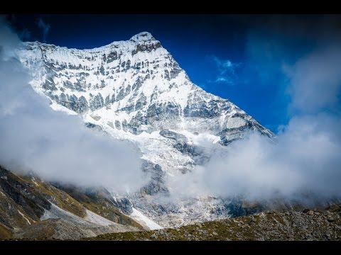 Relaxing Himalayan Glacial Stream (4k) 30 Minutes