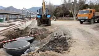 Судак. Набережная. Реконструкция. Апрель 2011(Идёт реконструкция канализации на Центральной набережной в Судаке. Состояние работ на 19 апреля 2011.