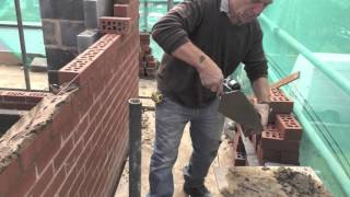 How to lay bricks to the line (3 of 4)