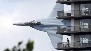 Top 10 Extremely Low Flypass Crazy Flights |Passenger & Fighter Planes|
