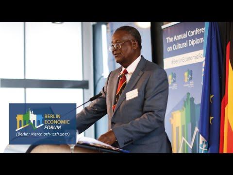Ephraim Kamuntu (Minister of Tourism of Uganda)
