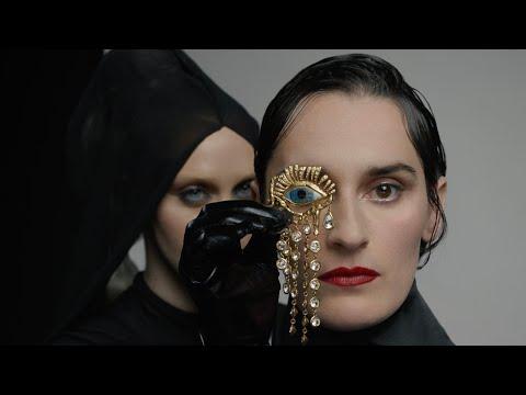 Смотреть клип Yelle - Noir