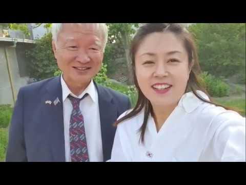 팔공산 갓바위에서 서석구변호사님과 박근혜대통령님 구출 서명봉사대원들과