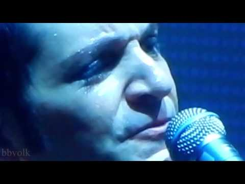 Placebo - Lady of the Flowers (close up)