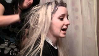 البرنامج التعليمي: كيفية صبغ الشعر شقراء دون التبييض