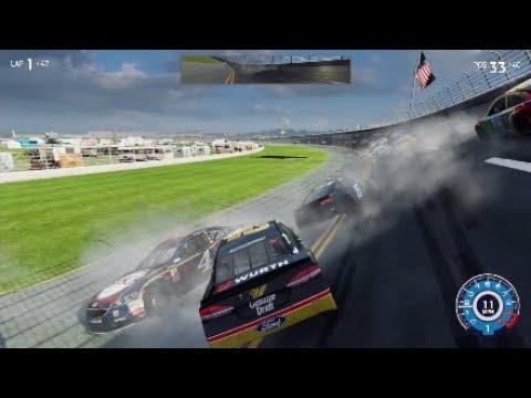A really bad NASCAR Heat 3 crash compilation  