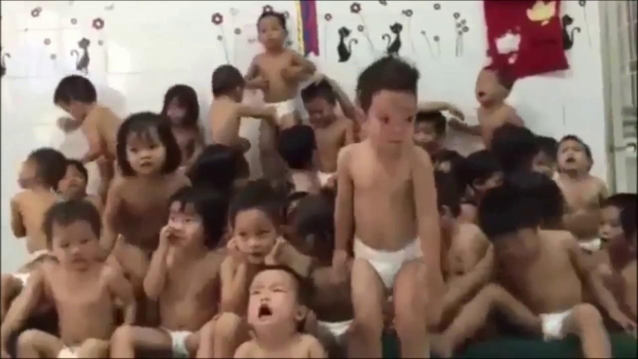 Video cảm động về những đứa trẻ mồ côi Cha - Mẹ
