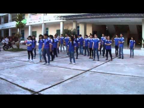 Múa dân vũ - lớp 12A3 THPT Nguyễn Trung Trực, Rạch Giá, Kiên Giang
