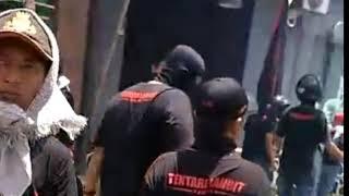 Download lagu Mobil Operasional FPI Yogyakarta Dirusak