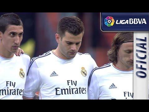 Moment of silence for Tito Vilanova in Bernabéu