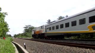 KA. 74 Lodaya Pagi ngebut di Stasiun Montelan