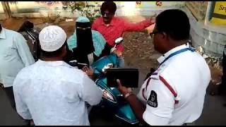 OLD CITY Women Fight with Traffic Police