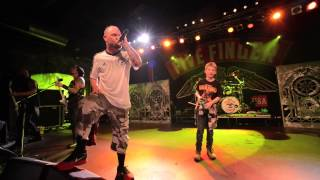 NIck join 5FDP on stage