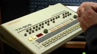 Roland TR-909 Drum Machine demo