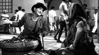 raj kapoor proposes a funny deal to fruit seller shree 420 most viewed scenes lalita pawar