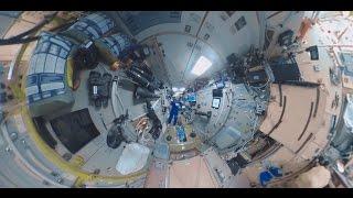 С чего начиналась МКС: панорамная прогулка по первым модулям станции (ВИДЕО 360)