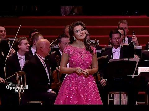 Olga Peretyatko⭐♫ Chi il bel sogno di Doretta ♫ aus 'La Rondine'