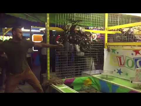 How To Win Impossible Carnival Game Blockbuster One Ball At Cne To