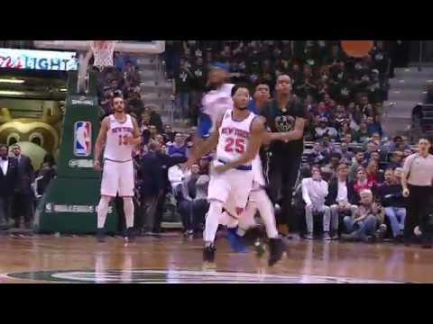 D-Rose with the Crafty Tap Assist for Porzingis Slam | 01.06.17
