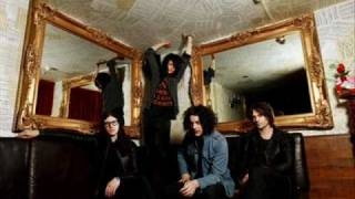 The Dead Weather - So Far From Your Weapon