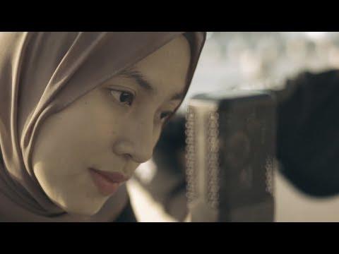 Смотреть клип Alffy Rev Ft Feby Putri - Rindu Tak Bersuara