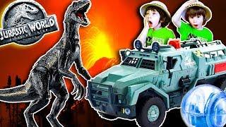 JURASSIC WORLD 2 Fallen Kingdom INDORAPTOR y Camion GIROSFERA de Huida en el VOLCAN