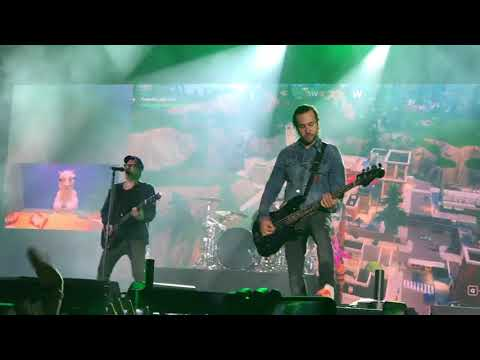 Grand Theft Autumn/Where Is Your Boy - Fall Out Boy Live At Wrigley Field 9/8/18